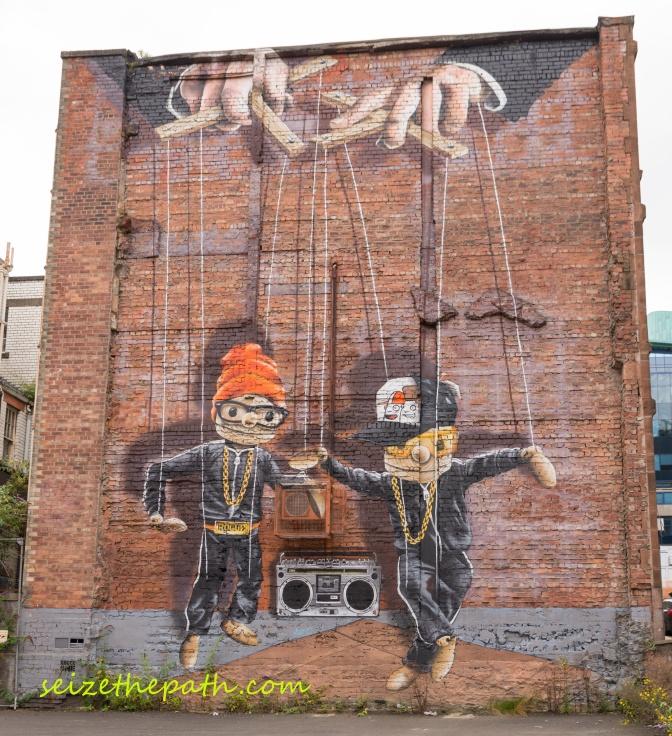Murales-Glasgow-Manichinilogo
